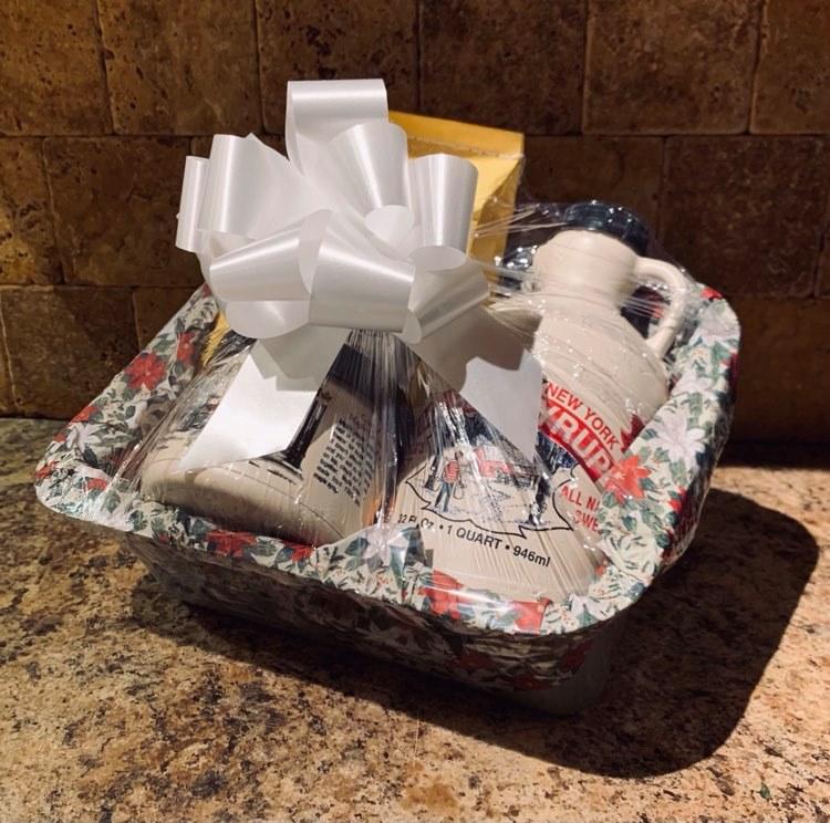 marshas-maple-deluxe-sampler-gift-basket